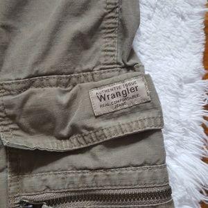 GUC Wrangler cargo shorts